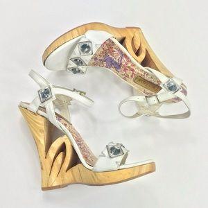 Vtg 90s 00s White boho wood carved wedge heels 🤍